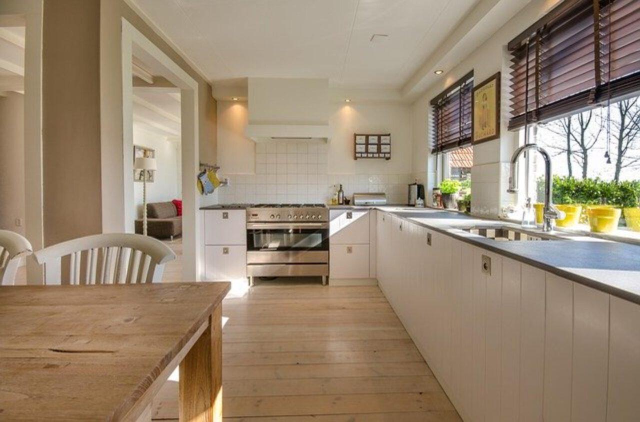 Jak wybrać nową podłogę do kuchni?
